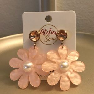 Pink Flower Acrylic Stud Earrings. NWT.